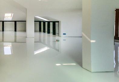 Specialistisch schoonmaak - Onderhoud van vloeren - Polymer flooring - Suca Multi Diensten